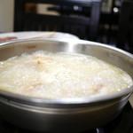 水たき 長野 - 煮え立つ真っ白なスープ