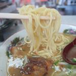 鹿児島ラーメン 真琴 - 細い麺です
