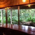 カシェート - 癒される窓の外