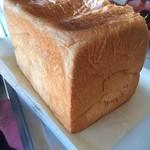 神戸食パン本舗 - 料理写真:食パン1.5斤 550円