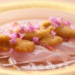 老松 喜多川 - その時ならではの味わいに魅了される『金目鯛 大間のウニのせ』