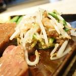 神戸ステーキレストラン モーリヤ凜 - 牛脂で炒めたもやし