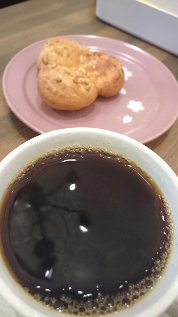 Le Cafe des Toris Freres