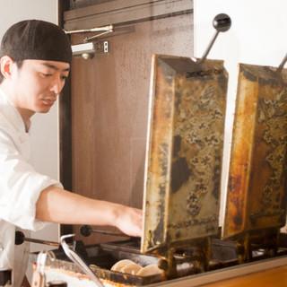 【芸術的な羽根】熟練した職人の焼技術
