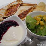 カフェ 杜の香り - グリルサンド(コンビーフとチーズ)