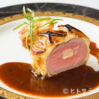 レストラン エスカリエ - マリア・カラスが愛した料理『子羊のパイ包み マリアカラス』