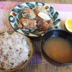 ネマルカフェ - 鶏の塩こうじ唐揚定食(950円)