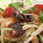 ヌアサヤム - サワガニの塩漬け(プーケム)が味の決め手