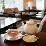 山のホテル ラウンジ・バー - ドリンク写真:喫茶や談話などくつろぎのひとときをお過ごしください。