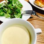 66216338 - ランチのスープとサラダ