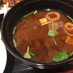 66218759 - 鳥のスープから赤出汁にかわりました。