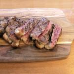 Meat&Bakery TAVERN - サーロインで300g