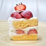 ビスキュイ - '17.04ショートケーキ