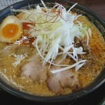 らぁめん優雅 - 料理写真:背脂坦々麺チャーシュー