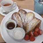サラベス - フレンチトーストと紅茶