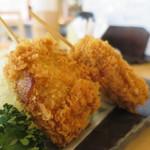 マグロ専門店 築地 マグロ 伊助 - 鮪の串カツアップ
