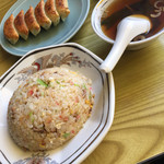 66444272 - チャーハンとスープ、焼き餃子(^∇^)