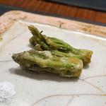 傳 - 料理写真:タラの芽の天ぷら