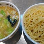 大阪大勝軒 - 野菜つけ麺並♪