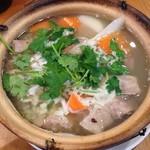 羊香味坊 - ラムスペアリブと長芋の土鍋煮