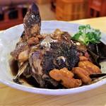 酒が呑める魚屋 大輝鮮魚店 - 魚のアラ煮