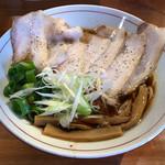 醤油と貝と麺 そして人と夢 - 料理写真:肉そば880円(税込) ※イベリコ豚レアチャーシューを選択