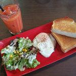 タウンスクエア コーヒー ロースターズ - ハムエッグ&トーストセット