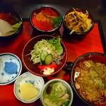 聖徳太子 - ミニ丼セットA 本当は蕎麦付きません、味噌汁です