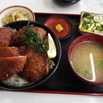 66560239 - ソースかつ丼 ヒレ 1150円