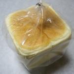 一本堂 - 料理写真:国産小麦ゆたか 一斤360円