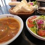 デリー - パパドとセットのスープ&サラダ