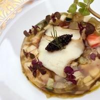サロン・ド・シャンパーニュ ヴィオニス - アワビとキャビア 初夏野菜のアスピック ハーブと肝のソース