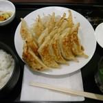 石松餃子 - 石松餃子 15ケ盛り定食