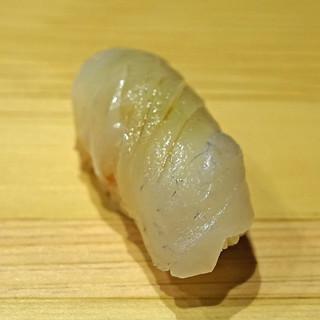 鮨処 つく田 - 料理写真:鯛