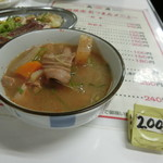 もつ焼き丸昌 - 「ホルモン煮込み」240円
