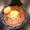 兎に角 - 料理写真:油そば小盛り+燻製味付玉子