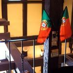 カステラ ド パウロ - 店内国旗