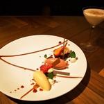 スイーツカフェ&バー フィナンシェ - 4月のデザートコース(春色のあしらい、大人のミルクティ)