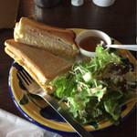 服部珈琲工房 - 料理写真:BREAKFAST  サンドイッチとコーヒーor紅茶:コーヒー