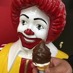 マクドナルド - 料理写真:ソフトクリームwithチョコレート(¥200)