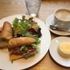 ラ・プレシューズ - 料理写真:ソフトバゲッドのサンドイッチ、コーヒー、チーズスフレ