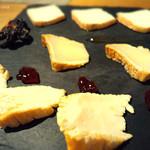 カゼウス - チーズ盛り合わせ