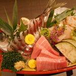 海鮮個室居酒屋 宇和之島 - 鮮魚3点のお刺身盛合せ