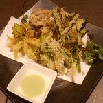 海鮮個室居酒屋 宇和之島 - 旬の野菜の天ぷら