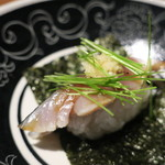 セキ ハナレ - 小田原 炙りしめ鯖の磯辺巻き