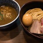 煮干しつけ麺 宮元 - 料理写真:味玉極濃煮干しつけ麺(930円)