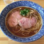 らぁ麺屋 はりねずみ - 料理写真:醤油らぁ麺(750円)