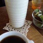 Calm cafe - バナナジュースと珈琲