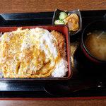 いっちょう - 料理写真:ロースカツ重(1,069円)