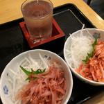 67021946 - 生桜えび小鉢とかま」揚げ桜えび小鉢、日本酒正雪